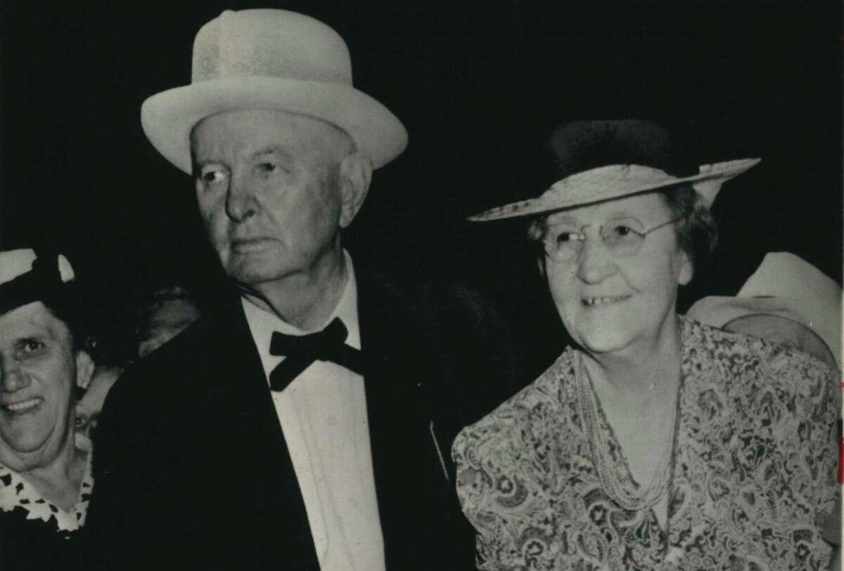 Ex-Texas Governors Pa and Ma Ferguson.