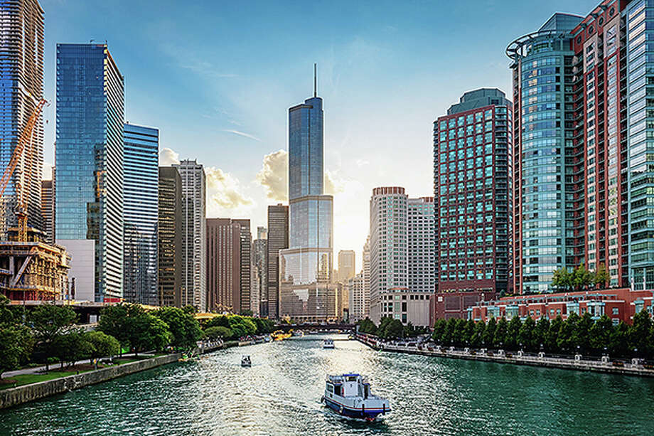 Chicago Cityscape from Chicago River Waterfront at Dusk. Photo: Getty Images / Alexander Hafemann (Alexander Hafemann (Photographer) - [None]