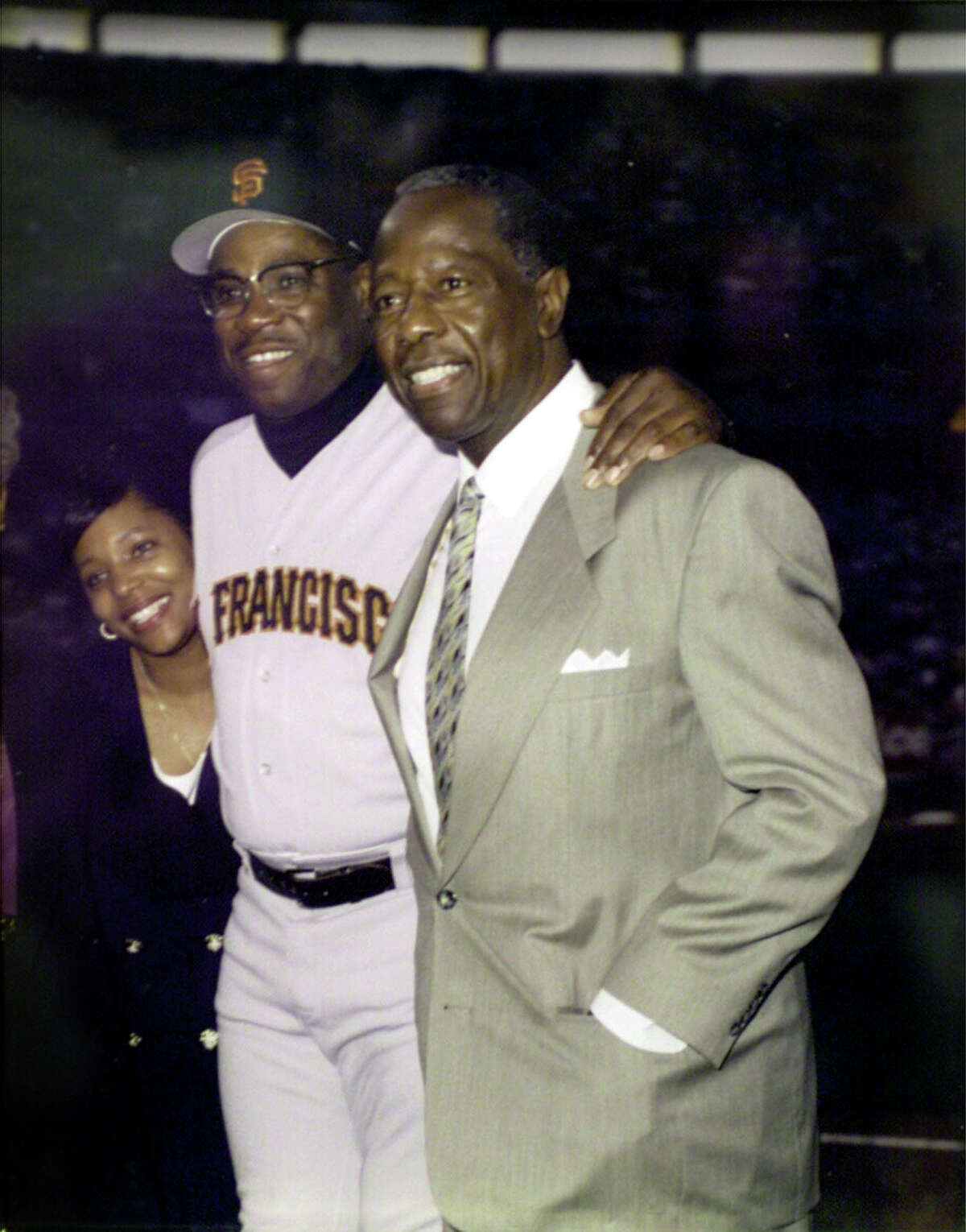 Portraits of San Francisco Giants manager Dusty Baker (L) with Hank Aaron. SAN FRANCISCO CHRONICLE PHOTO BY CHRIS STEWART
