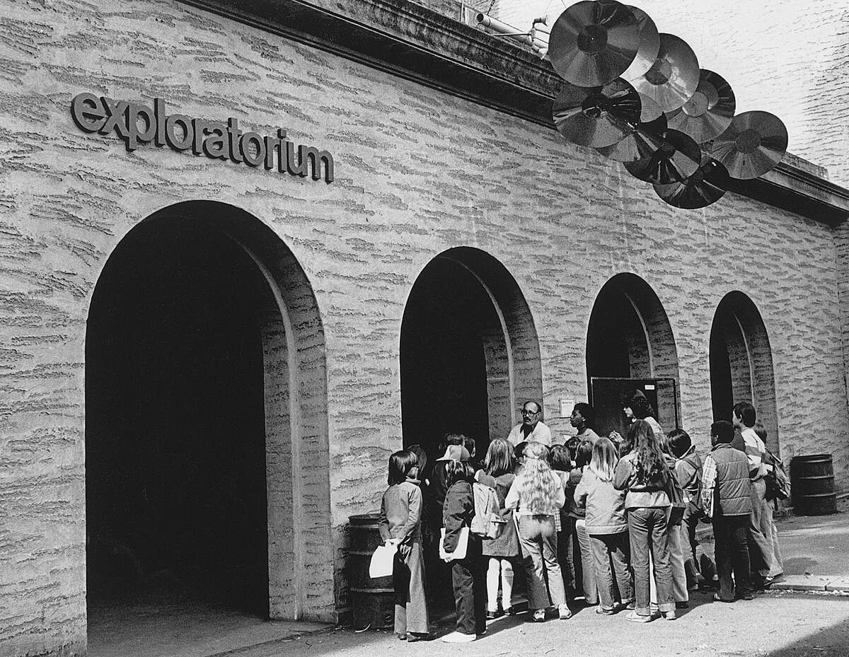 An archival photo of the exterior of the original Palace of Fine Arts location of the Exploratorium.