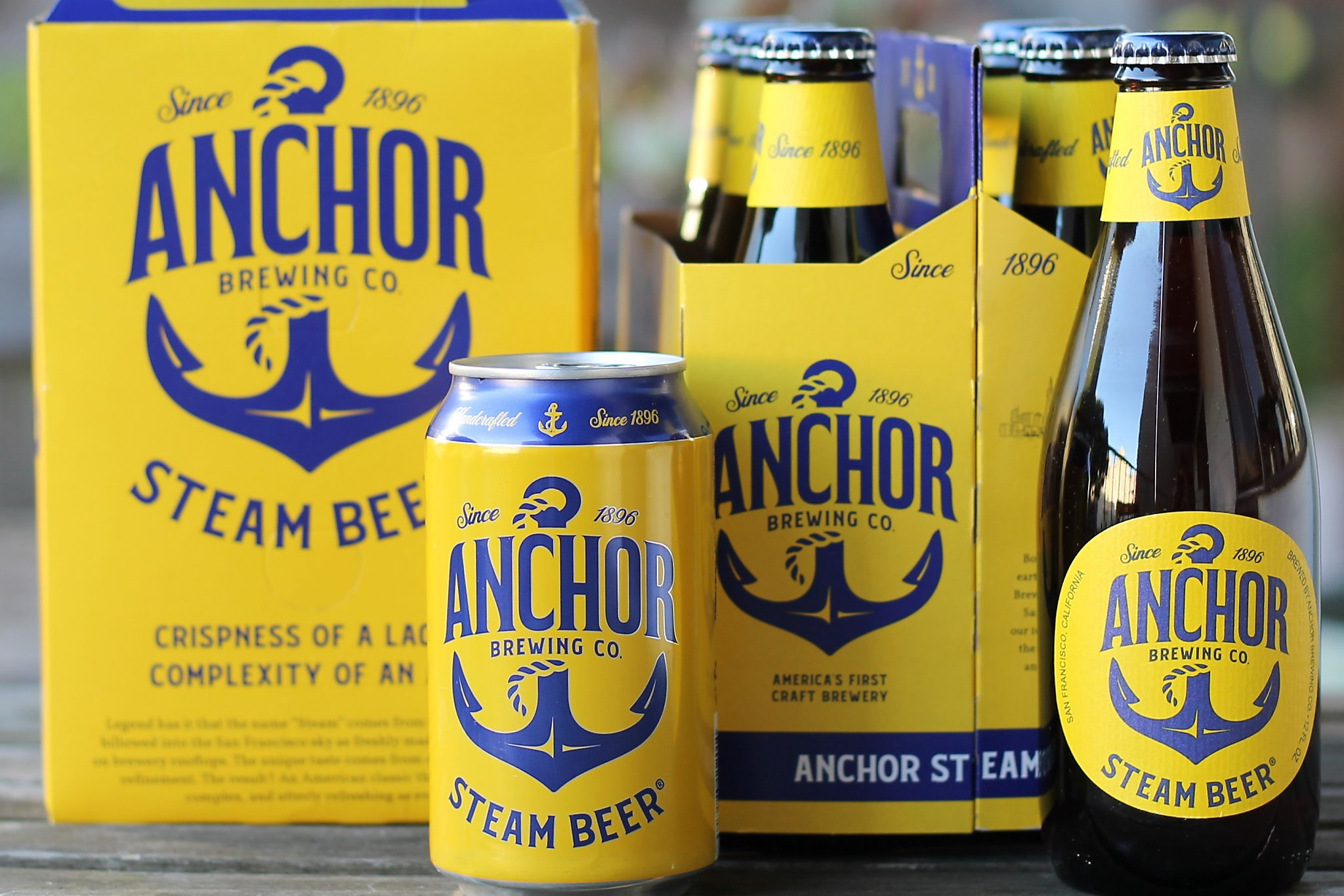 Anchor Steam Christmas Ale 2021 On Eve Of 125th Birthday S F S Anchor Brewing Is Changing Its Vintage Beer Labels
