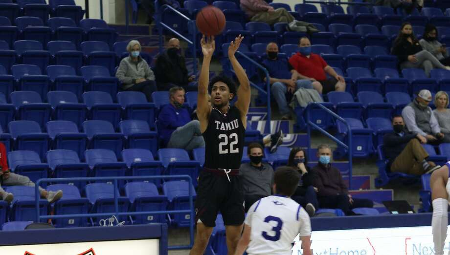 Darian Gibson and TAMIU were held to two points through the first 10:42 of play in Friday's loss. Photo: Courtesy /Lubbock Christian Athletics