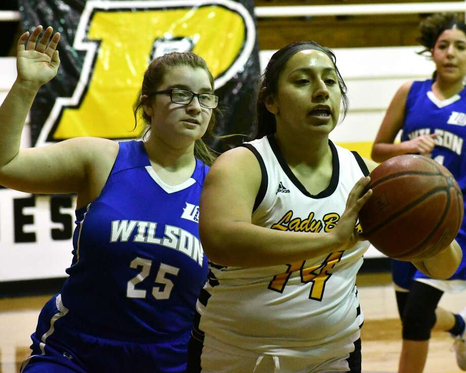 Alejandra Colunga had 17 points to lead the Lady Buffs to a 59-5 victory. Photo: Nathan Giese/Planview Herald