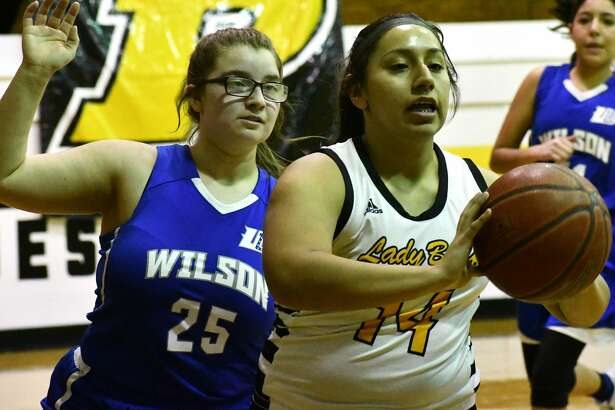 Alejandra Colunga had 17 points to lead the Lady Buffs to a 59-5 victory.