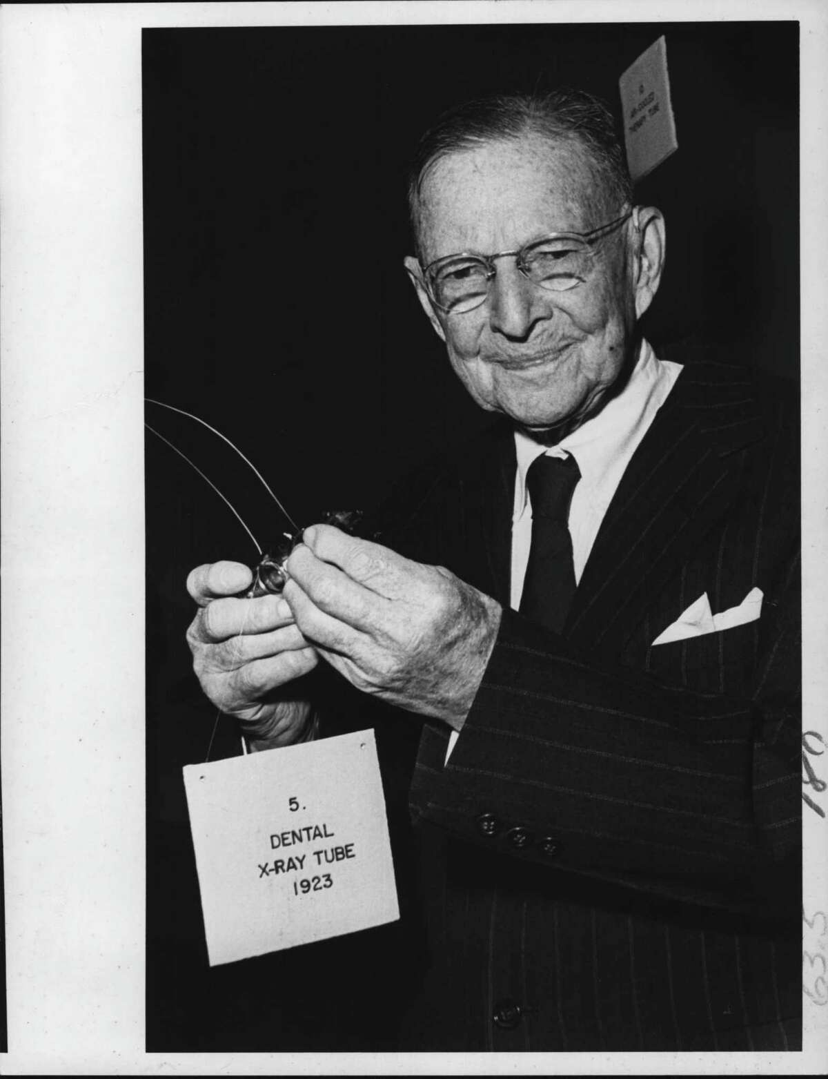 Dr. William D. Coolidge with dental x-ray tube in New York. January 1971 (Raymond B. Summers/Times Union Archive)