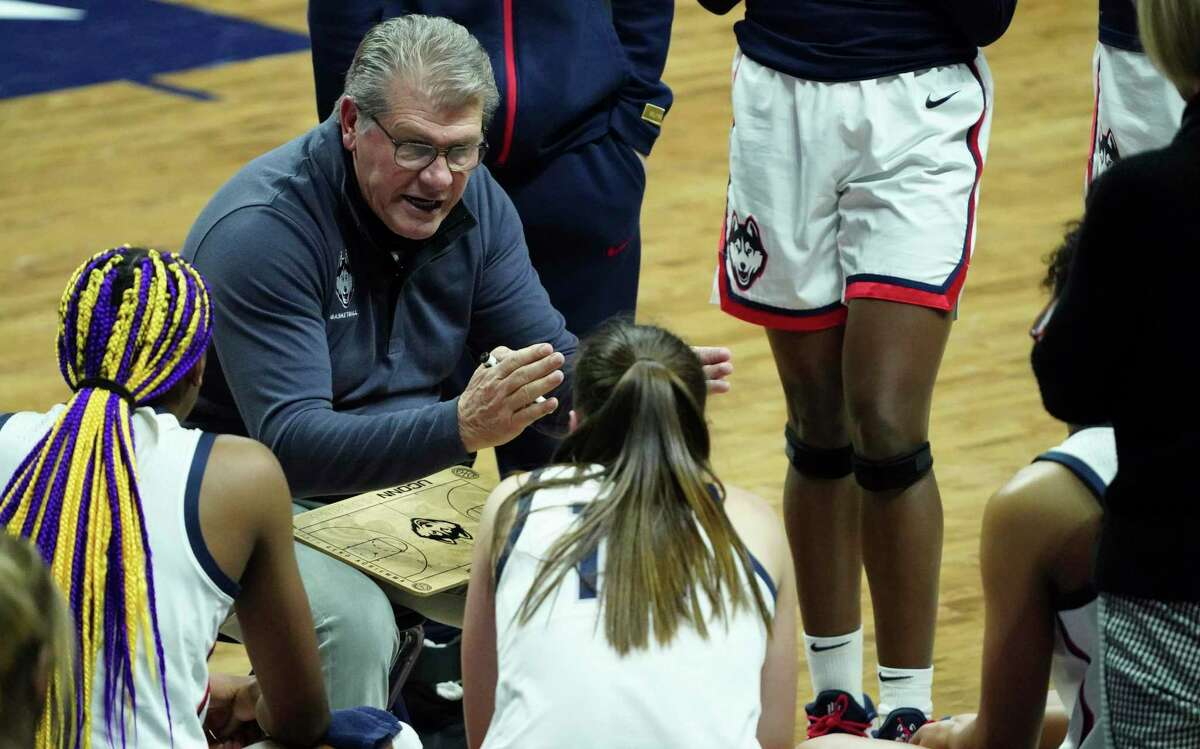 UConn coach Geno Auriemma talks to his team from the sideline as they take on Georgetown in the second half on Saturday in Storrs.