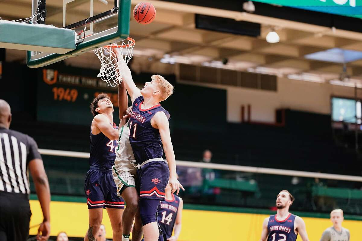 Matthias Tass goes to the glass at USF