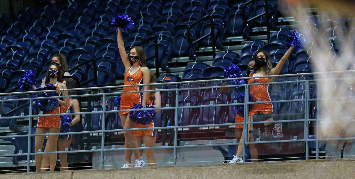 With Covid even the cheerleaders are put in the upper stands during player introduction. UTSA vs Southern Miss on Saturday, January 23,3032.