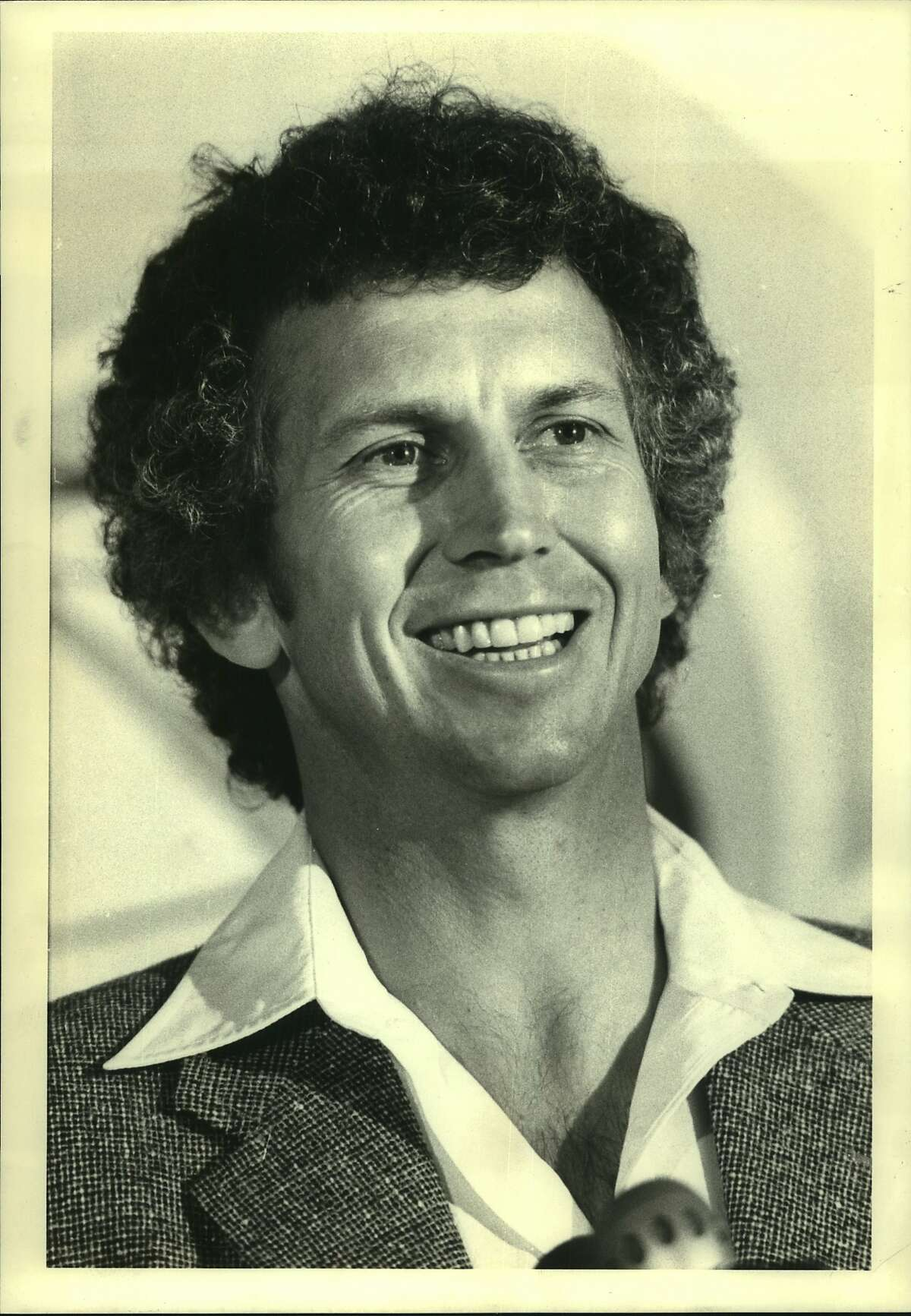 Longtime Dodgers starter Don Sutton: great interview, a terrible hairstyle.