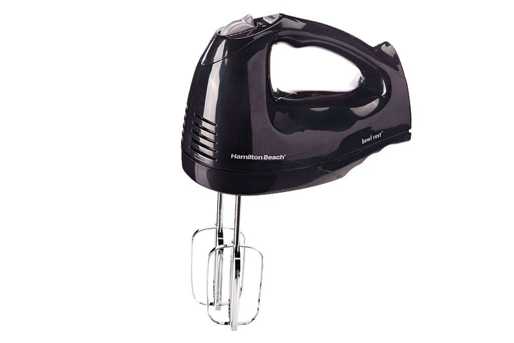 Hamilton Beach 6-Speed Hand Mixer with Snap-On Casefor $12.96 at Walmart