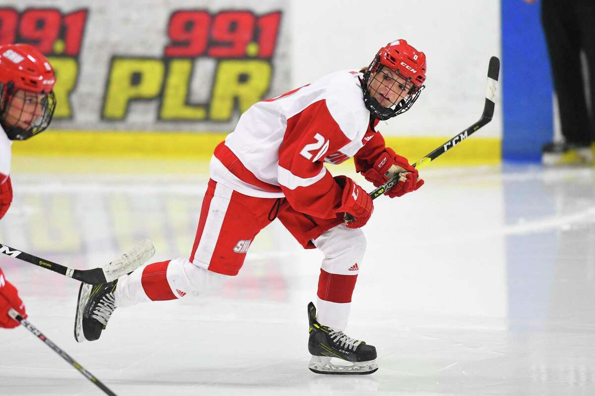 Sacred Heart hockey player Maddie Bishop
