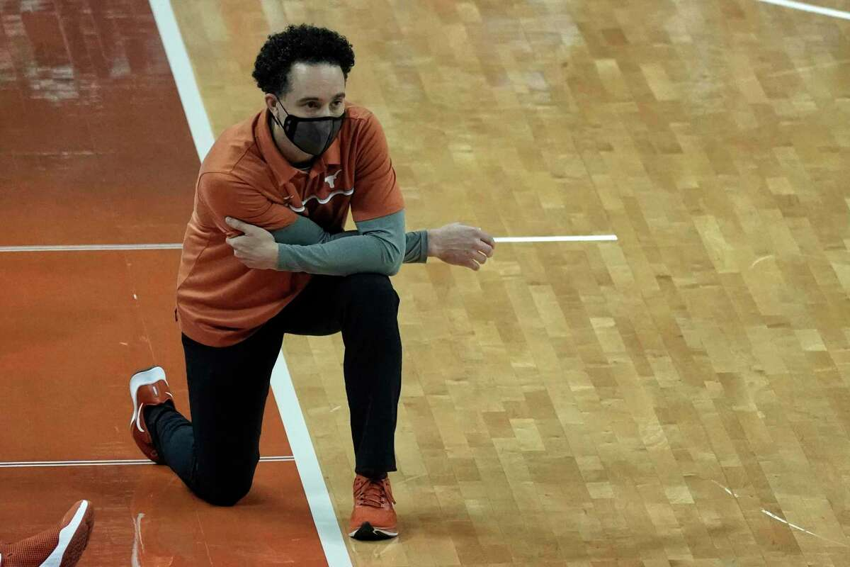 Shaka Smart and the Texas Longhorns are back at full strength after battling COVID-19 issues.