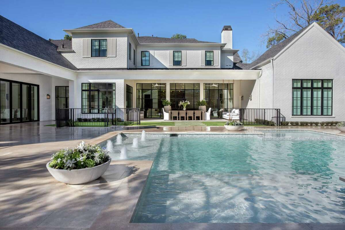 Swimming pools by Frankel Building Group's AVEA pool division.