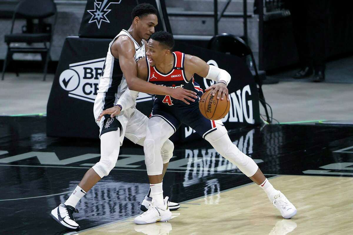 Devin Vassell, defending the Wizards' Russell Westbrook, became the first Spurs rookie with four or more 3-pointers in a game since Gary Neal in 2011, hitting 4 of 6 in Sunday's victory.