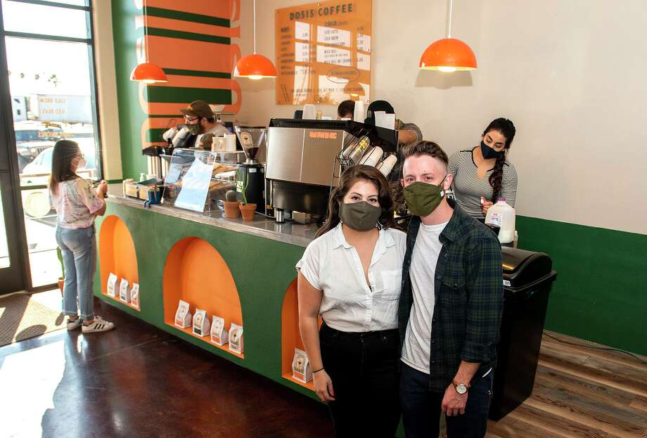 Rochelle Mota and Billy Hrncir pose for a feature photo of Dosis Coffee, Friday, Jan. 22, 2021. Photo: Danny Zaragoza, Staff Photographer / Laredo Morning Times