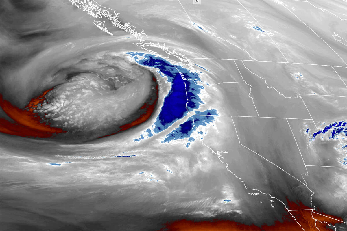 Satellite imagery from the past 24 hours shows the moisture plume approaching the Bay Area, Jan. 26, 2021.