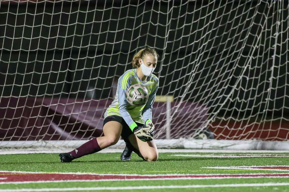 Senior goalkeeper McKenna Wiegenstein will be relied upon heavily as the Pearland Lady Oiler soccer team begins District 23-6A play Friday night.