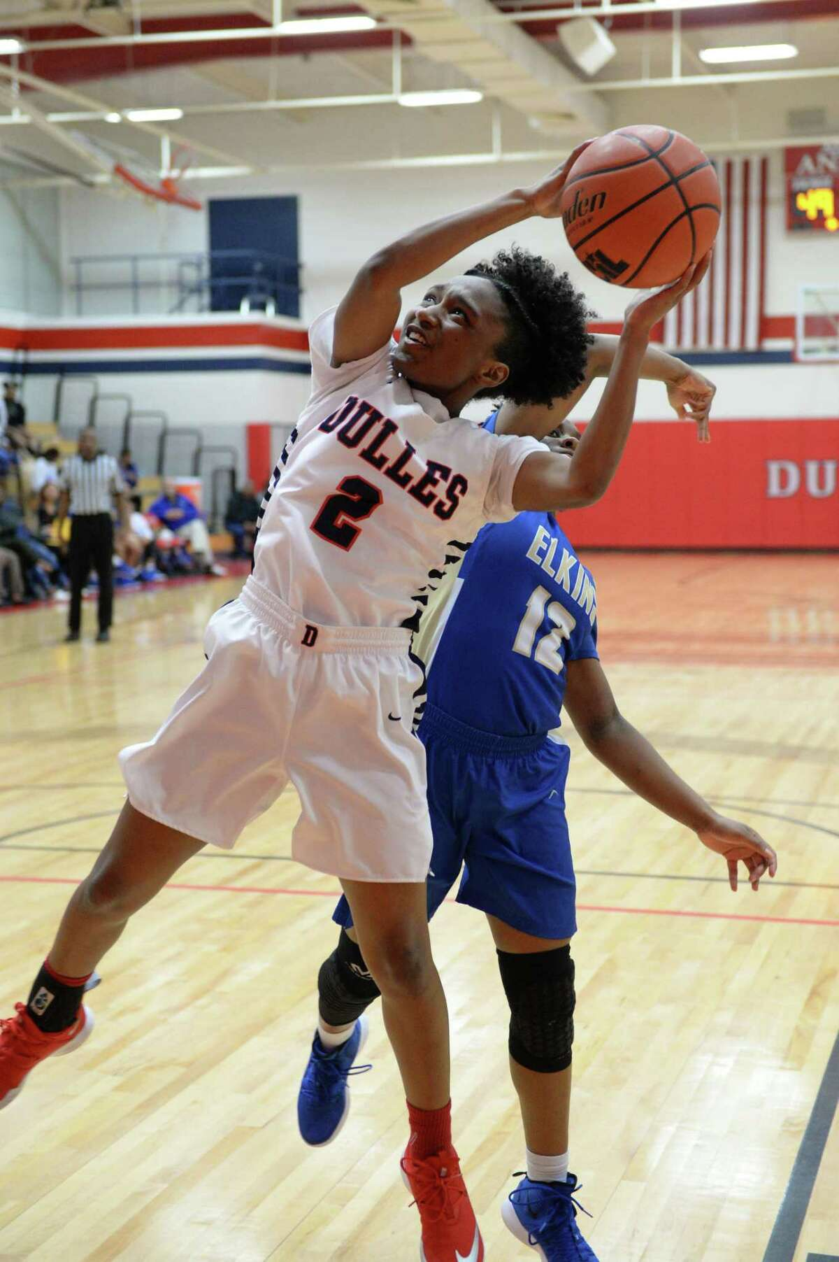 Dulles' Jahari Ennols (2) and the Vikings remained undefeated on the season with wins over Bush and Clements last week.