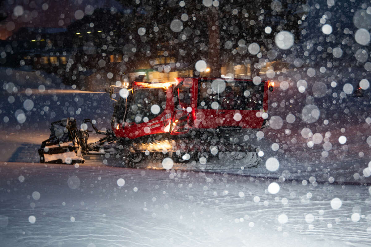 The snow is expected to continue until early Friday morning.