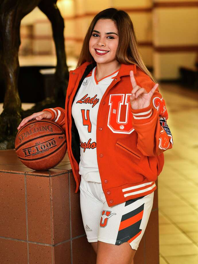 United's Evelyn Quiroz averaged 13 points, 5 rebounds, 3.5 assists and 3.4 steals in her junior season. Photo: Danny Zaragoza /Laredo Morning Times