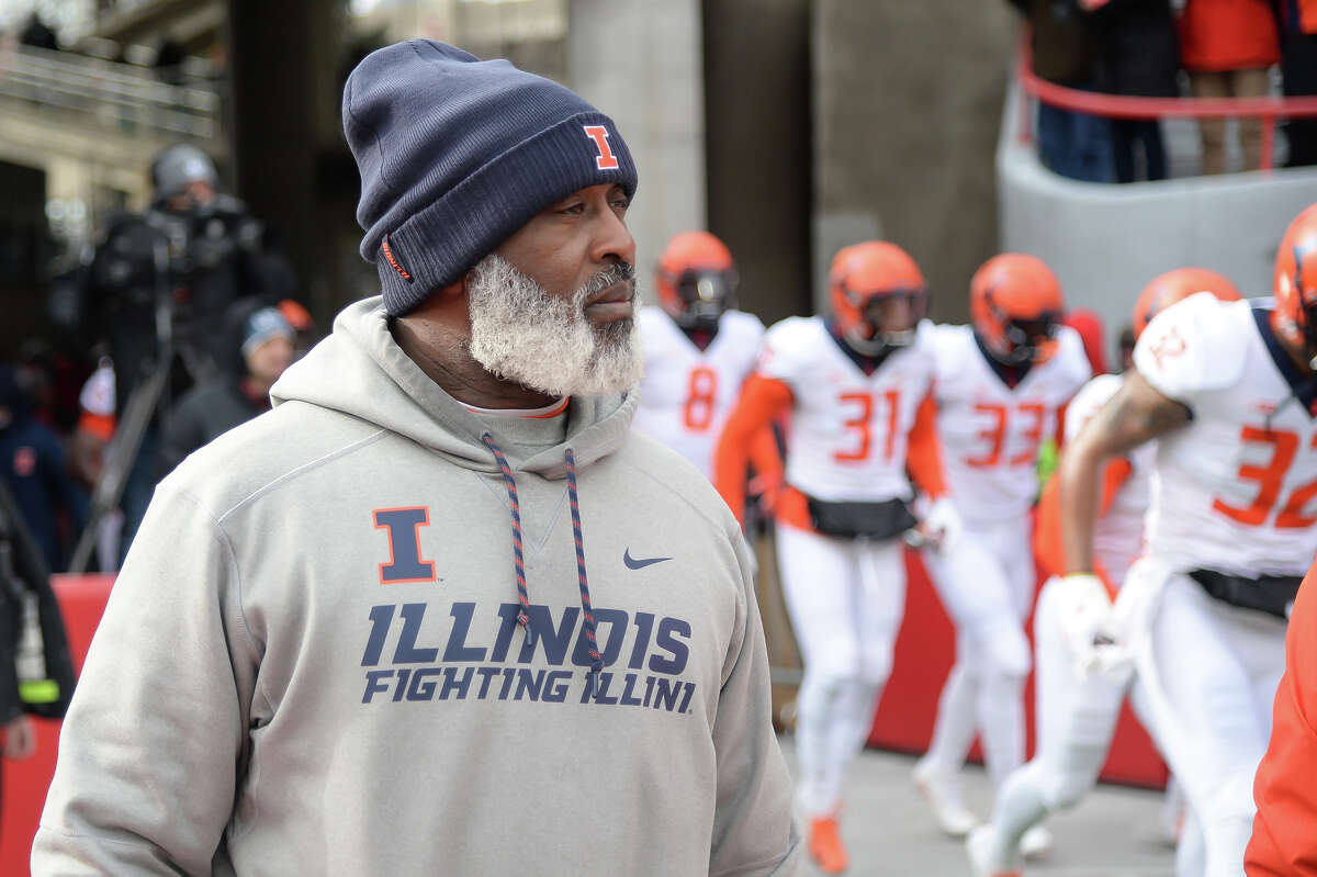 Illinois head coach Lovie Smith walks on the field before a game against Nebraska at Memorial Stadium in Lincoln, Neb., on November 10, 2018. (Steven Branscombe/Getty Images/TNS)