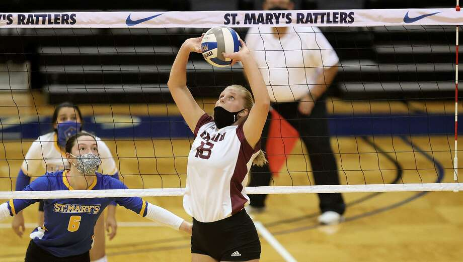 Maison Kosse and TAMIU were swept 3-0 (25-21, 25-23, 25-18) on Wednesday at St. Mary's. Photo: Courtesy /TAMIU Athletics