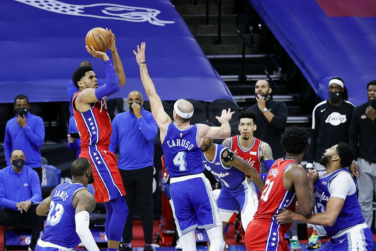 Forward Tobias Harris of the 76ers hits the go-ahead basket with three seconds left against the Lakers in Philadelphia.