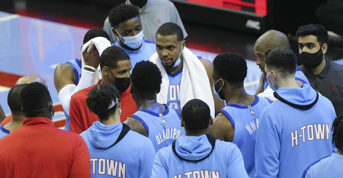 Rockets head coach Stephen Silas talks to his team during the final seconds of Thursday's victory over the Trail Blazers that pushed Houston's winning streak to four games.