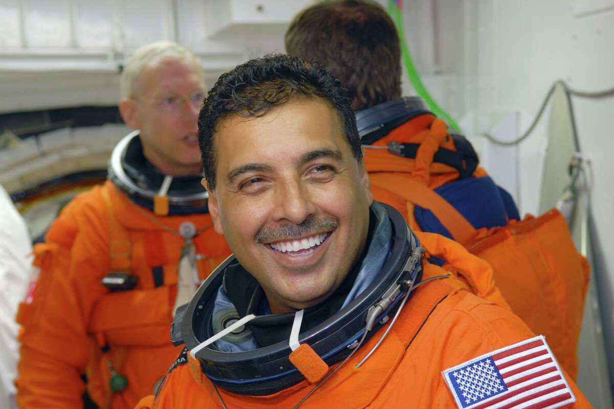 Netflix will feature the true story of Mexican American NASA astronaut José Hernández.