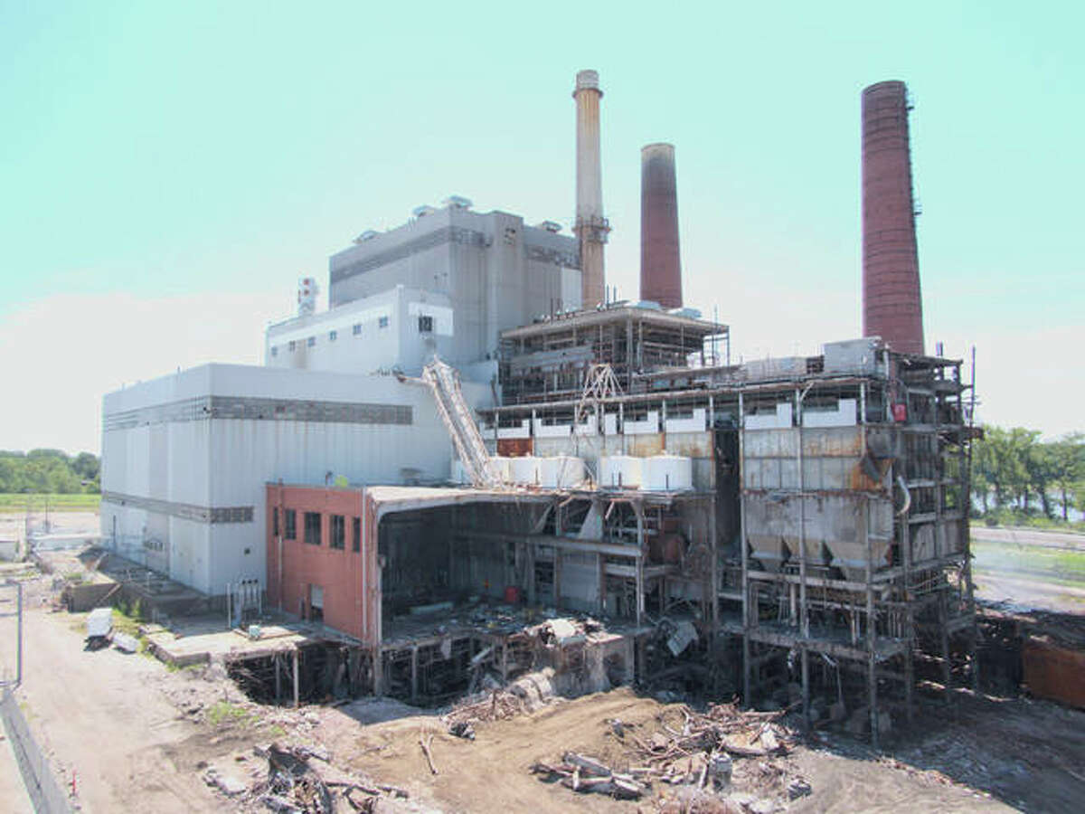 The smoke stacks at the Wood River Power Station in East Alton are scheduled to come down Monday with the help of explosives. The demolition in East Alton is being conducted by Spirtas Wrecking Company, the same firm that razed the St. Louis Arena.