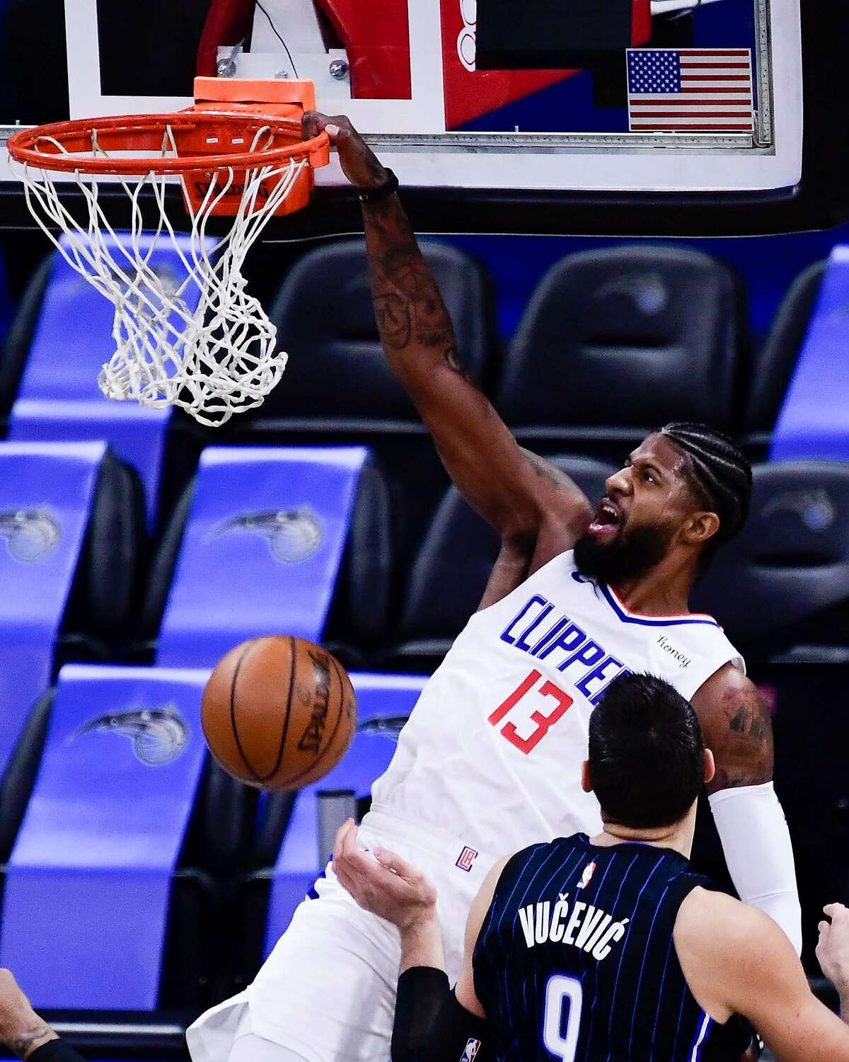 Paul George finished with 26 points, nine rebounds and five assists in the Clippers' rout of the Magic.
