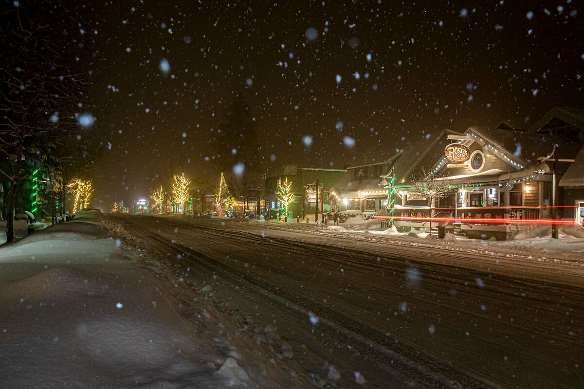 A heavy snowfall hits Tahoe City, Calif. during a winter snowstorm on Jan. 29, 2021.