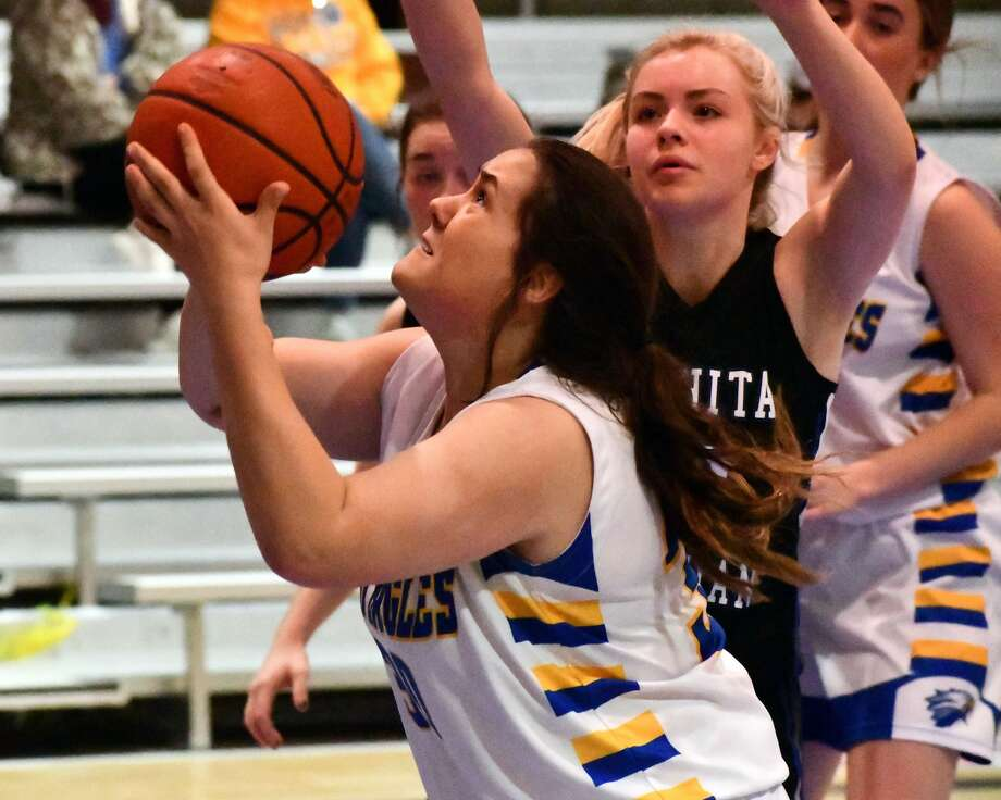 Reba Holloway had 19 points in the Plainview Christian Academy's victory on Saturday. Photo: Nathan Giese/Planview Herald