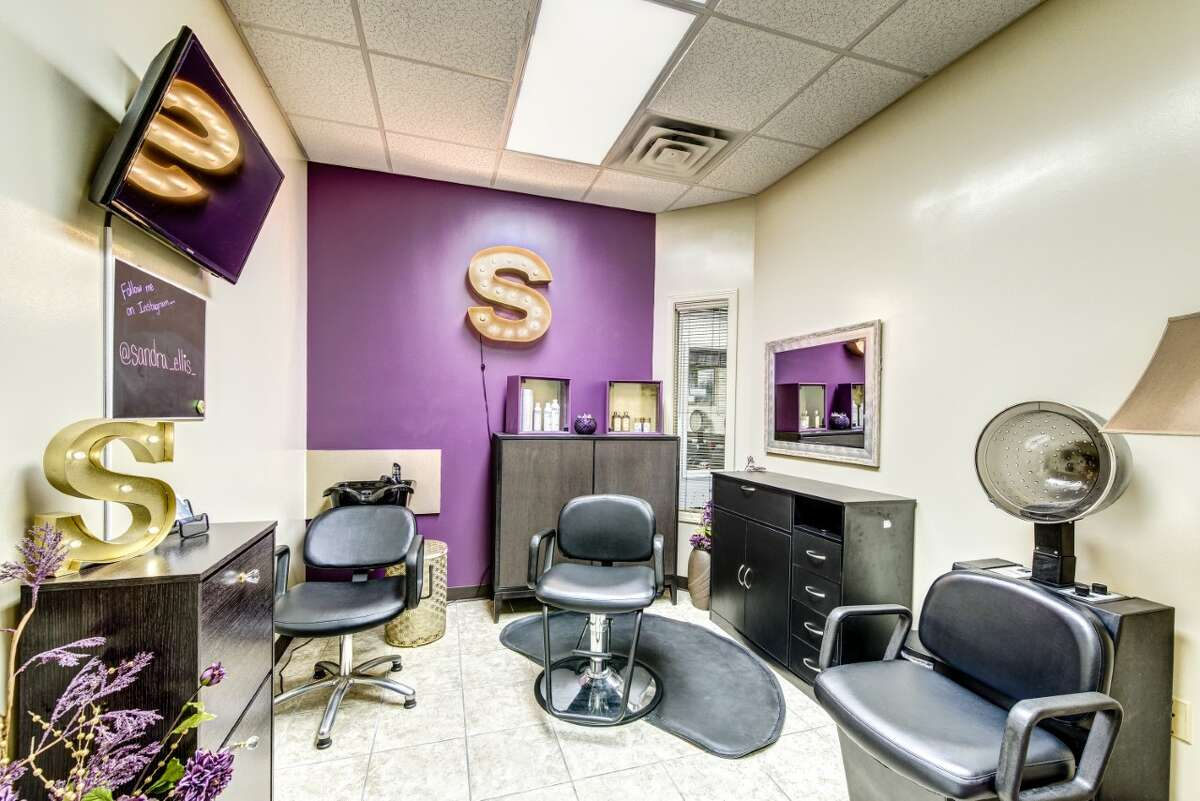 Salon Meyerland is rated Houston's top salon for natural and relaxed hair.