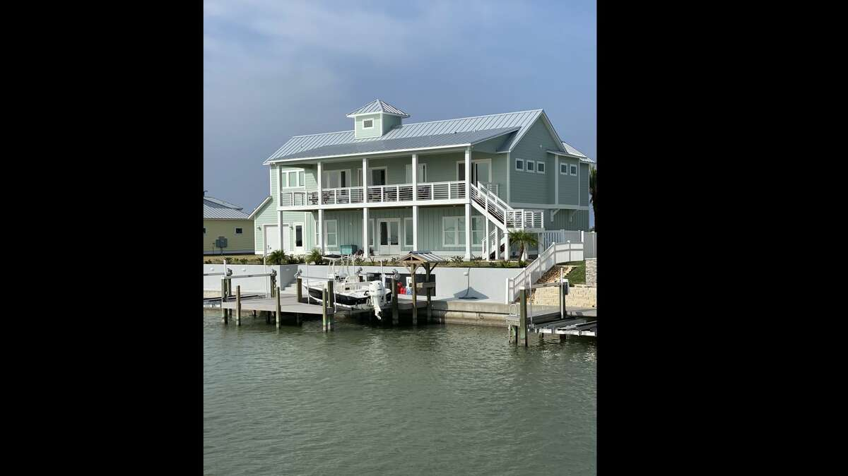 The Islands of Rockport was designed for the primary or secondary home buyer interested in waterfront living.