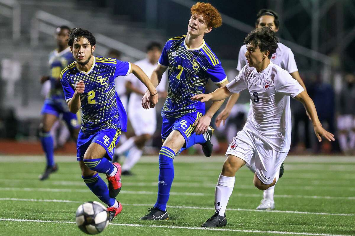 Senior midfielder Dalin Burris (7) totaled five goals and three assists in a pair of Clemens wins last week.
