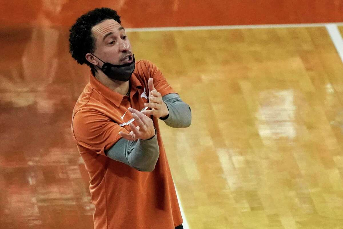 Texas coach Shaka Smart returns to the Longhorns bench against Baylor on Tuesday after being in isolation with COVID-19.