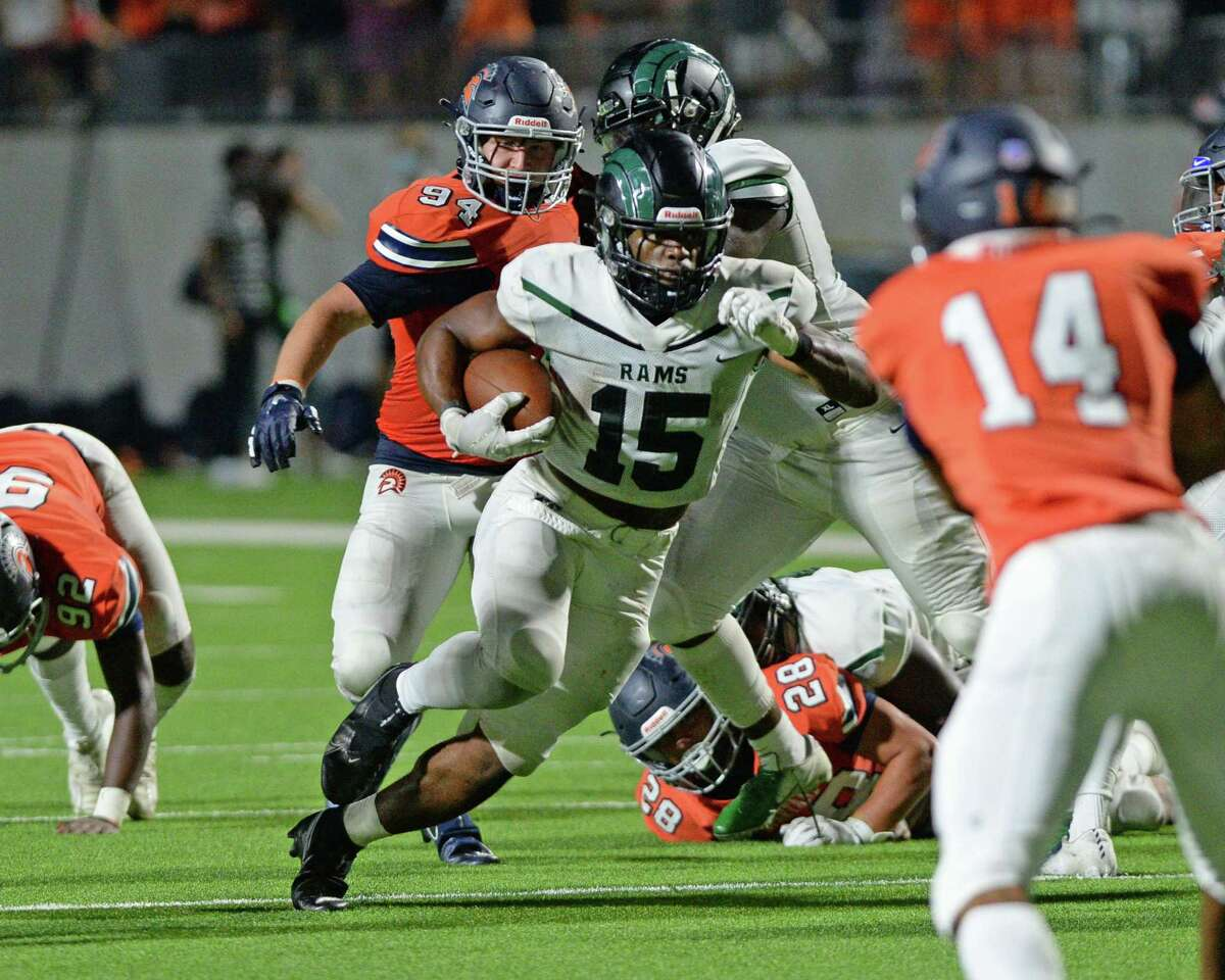 Julius Loughridge (15) of Mayde Creek carries the ball during the second half of a 19-6A football game between the Mayde Creek Rams and the Seven Lakes Spartans on Friday, November 13, 2020 at Legacy Stadium, Katy, TX.