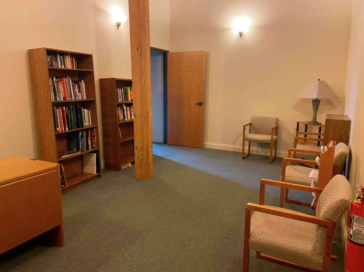 A small library at the Manistee Friendship Society provides its members some reading material. (Courtesy Photo/Cassandra Kamaloski)