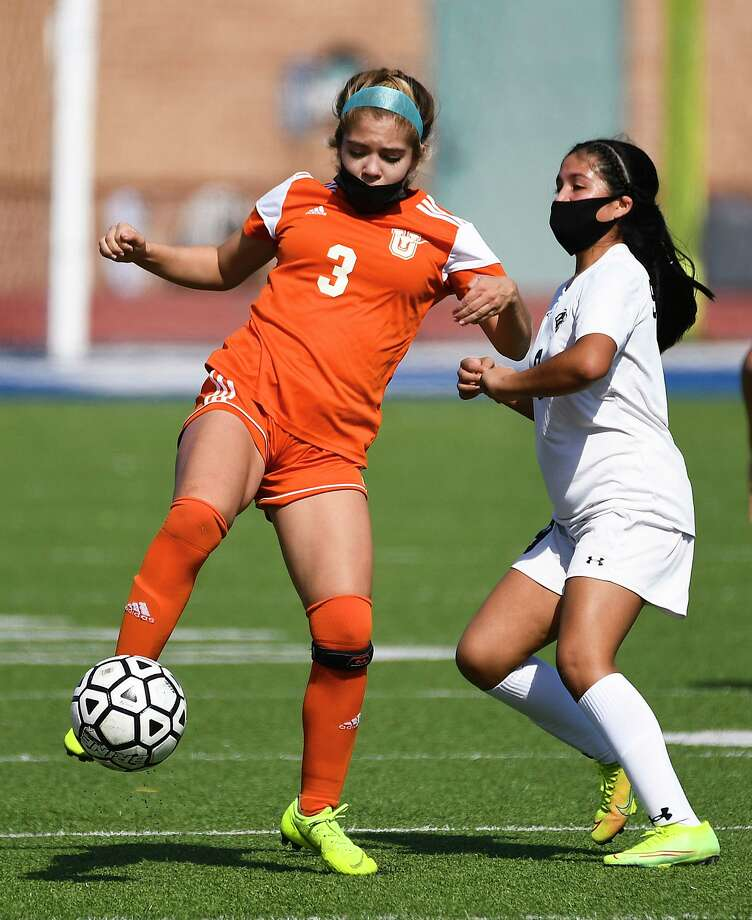 Kaydee Moncivais and United travel to face Eagle Pass at 7 p.m. Tuesday. Photo: Danny Zaragoza /Laredo Morning Times