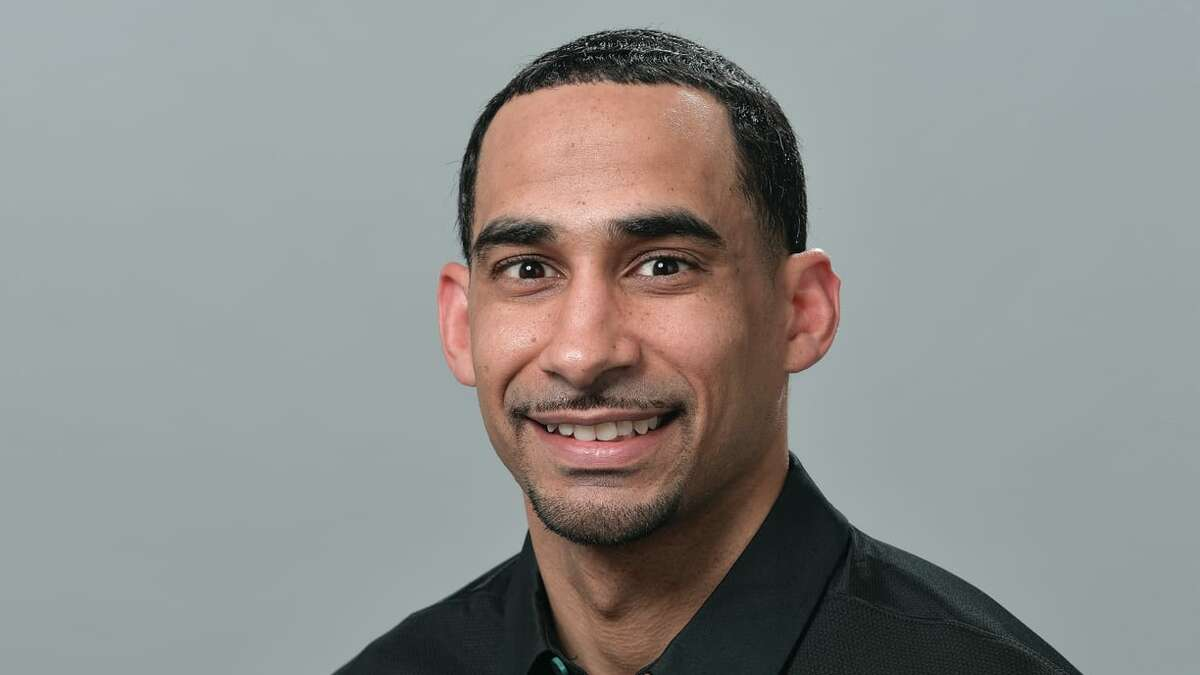 New Texans secondary coach Dino Vasso spent the past five seasons with the Eagles.