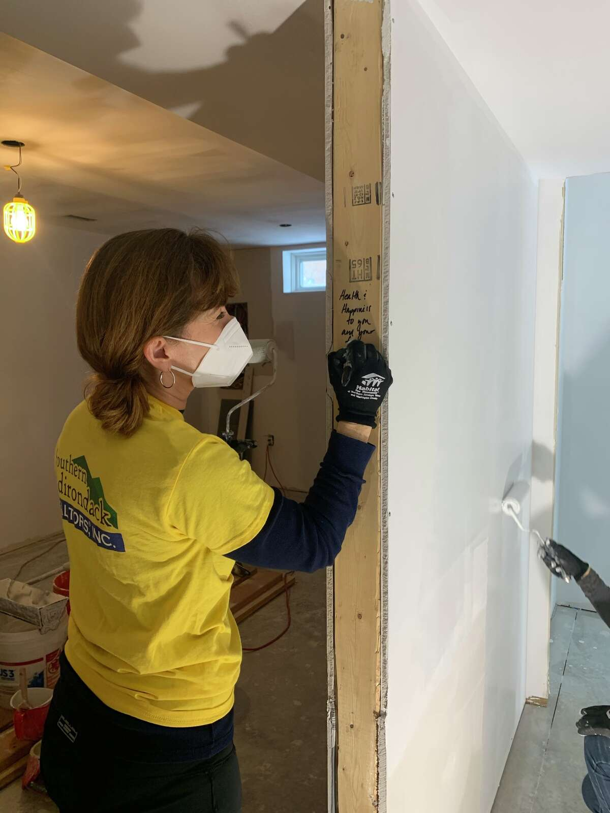 Local Realtors and industry partners participated in their first Habitat for Humanity project of 2021 last week as a continuation of the SAR's commitment to the community.