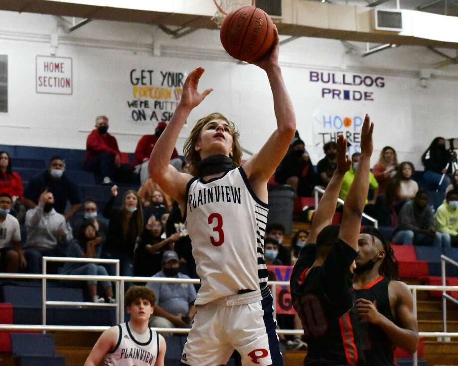 Plainview's Caleb Lusk had a game-high 25 points, including 19 in the second half, to lead the Bulldogs to a 65-54 win over Amarillo Tascosa in the Dog House on Tuesday. Photo: Nathan Giese/Planview Herald