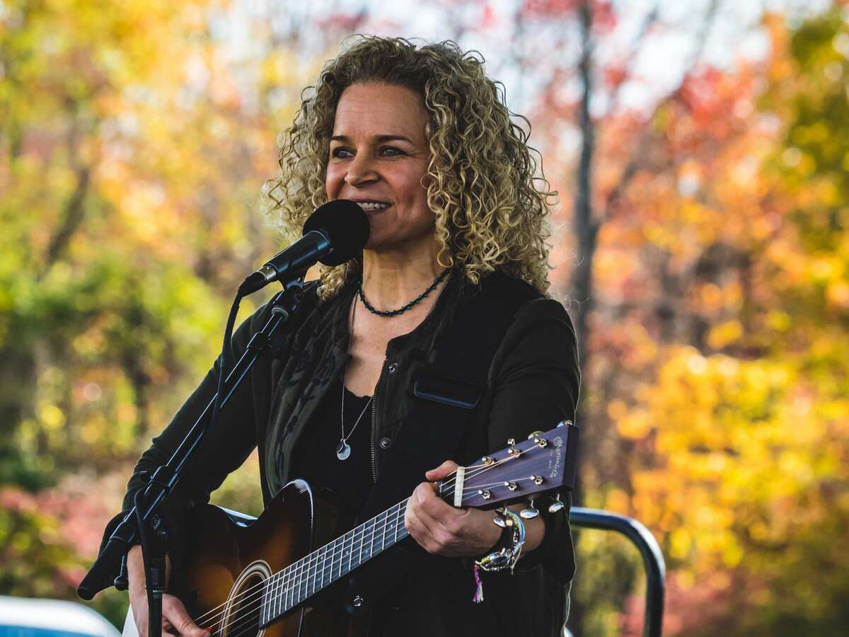 """In addition to releasing a new album and performing in concert online all year, former CT State Troubadour Lara Herscovitch also turned to publishing, and has recently released her new, uplifting storybook for inspiration """"Shine Sister Shine."""""""