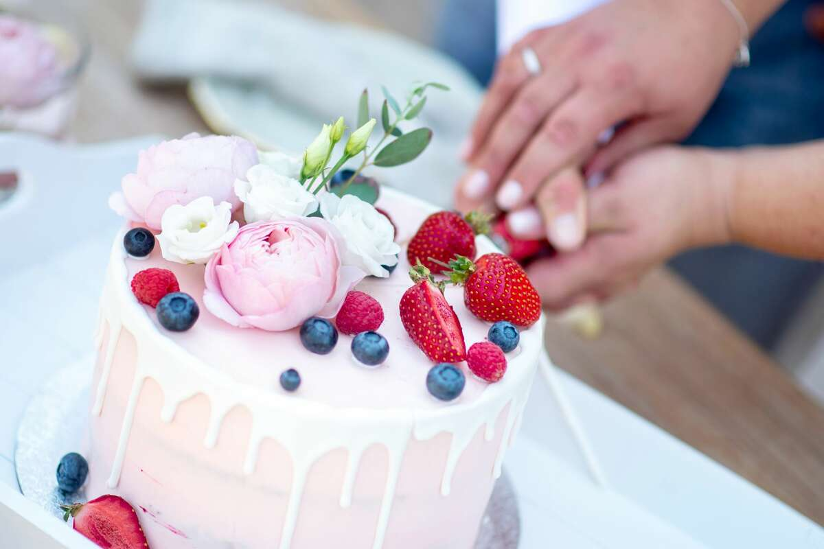 (Photo by Hauke-Christian Dittrich/Getty Images) Look but don't eat is a tough rule to follow for believers with a sweet tooth who aim to give up cake for Lent. Maybe Lent is a good time to remember aiming in the right direction is what's important, not constant reproaches to human frailty.