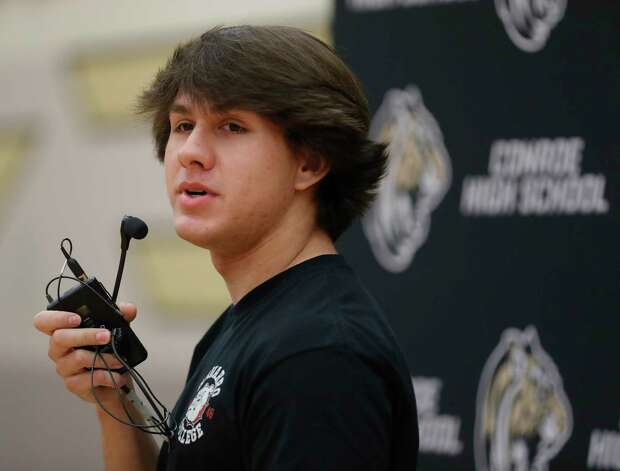 Layne O'Dell speaks after signing to play football for Navarro Junior College during a National Signing Day ceremony at Conroe High School, Wednesday, Feb. 3, 2020, in Conroe. Photo: Jason Fochtman, Staff Photographer / 2021 © Houston Chronicle