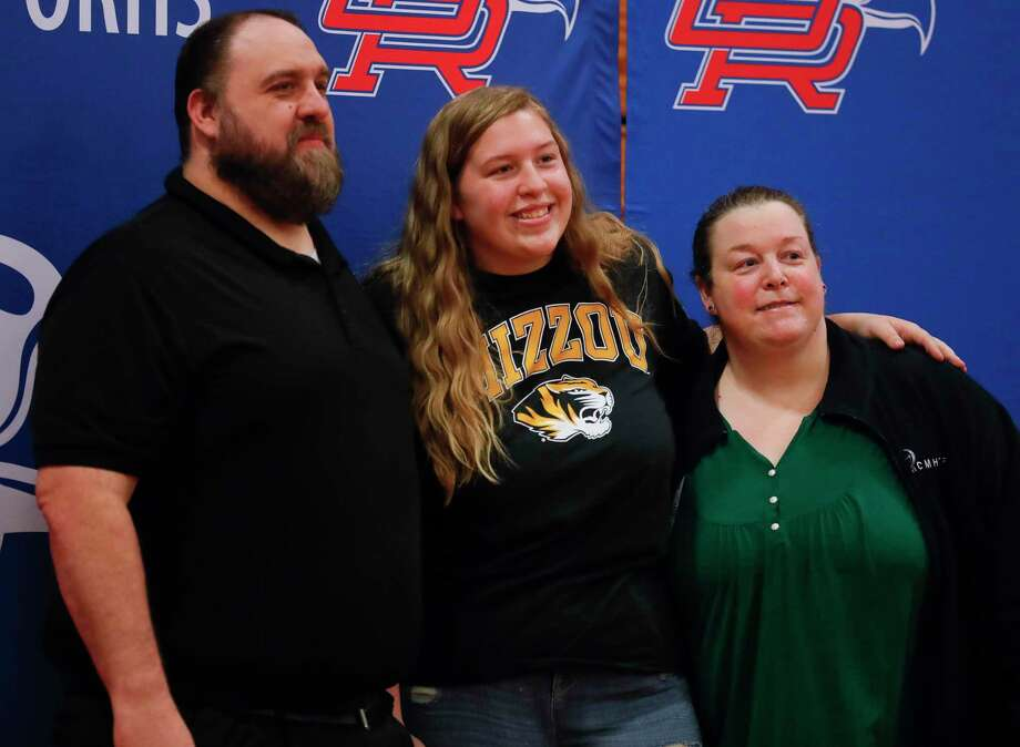 Kendall Starika signed to run track for the University of Missouri during a National Signing Day ceremony at Oak Ridge High School, Wednesday, Feb. 3, 2020. Photo: Jason Fochtman, Houston Chronicle / Staff Photographer / 2021 © Houston Chronicle