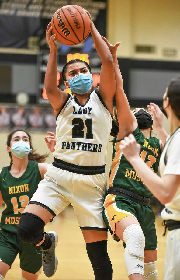 United South's Lori Arreola is one of eight local student-athletes nominated for the Letterman to Leadership Scholarship. Photo: Danny Zaragoza /Laredo Morning Times
