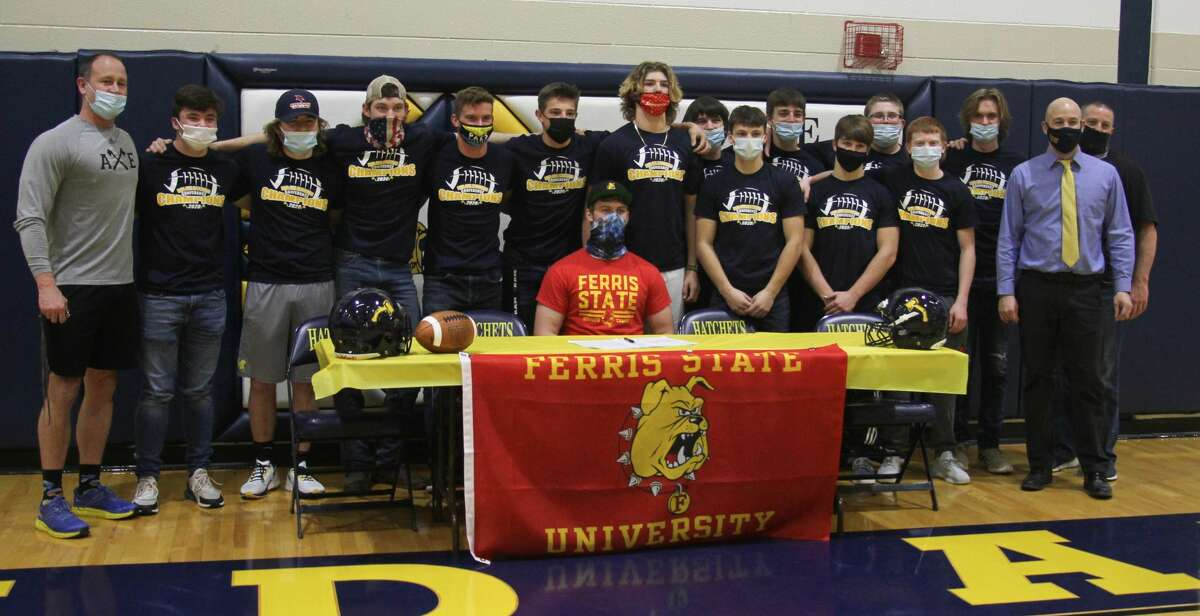 Bad Axe varsity football lineman Toby MacPhee signed a National Letter of Intent on Wednesday to play football for the Ferris State Bulldogs.