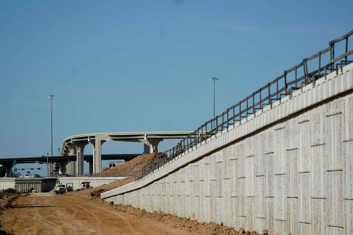 Construction work along the Grand Parkway on the east side of I-69 near Loop 494 in New Caney is shown Wednesday, Dec. 4, 2019.